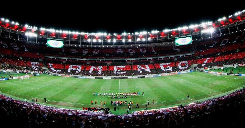 A torcida do Flamengo deu um show no Maracanã na estreia do time na Libertadores