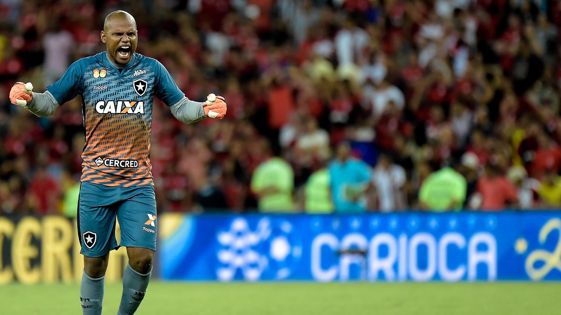 O goleiro Jefferson comemora gol do Botafogo diante do Flamengo na semifinal da Taça Rio