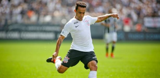 Corinthians não tem patrocinador fixo para o espaco máster desde abril do ano passado