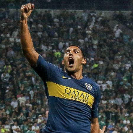Atacante Ábila é um dos 18 jogadores contaminados, de acordo com o Olé - Miguel SCHINCARIOL / AFP