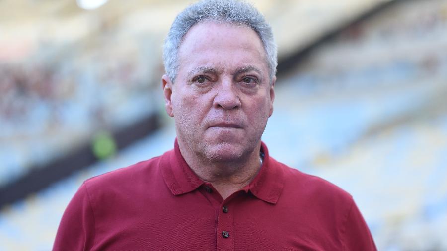 O técnico Abel Braga está no meio da página mais triste na história de 123 anos do Flamengo - Thiago Ribeiro/AGIF