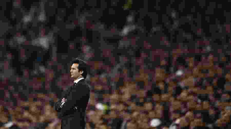 Santiago Solari está pressionado no cargo do clube - Oscar Del Pozo/AFP