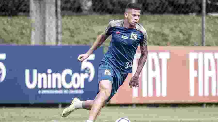 Volante Jobson treina pelo Santos - Ivan Storti/Santos FC