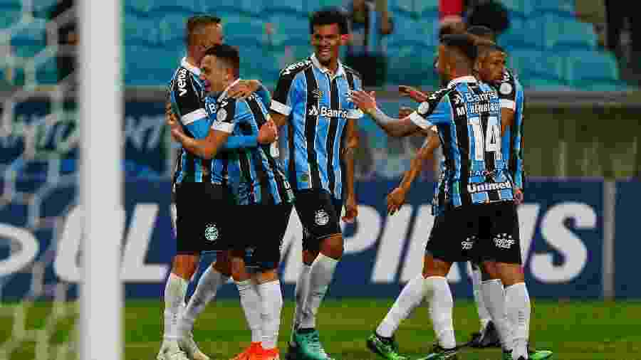 Pepê aumenta lista de jogadores da base no time titular e faz Grêmio surfar em boa fase dos jovens - Jeferson Guareze/Agif