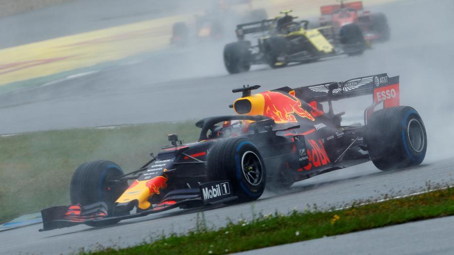 Max Verstappen em ação no GP da Alemanha: holandês conquistou a segunda vitória em 2019 - Ralph Orlowski/Reuters