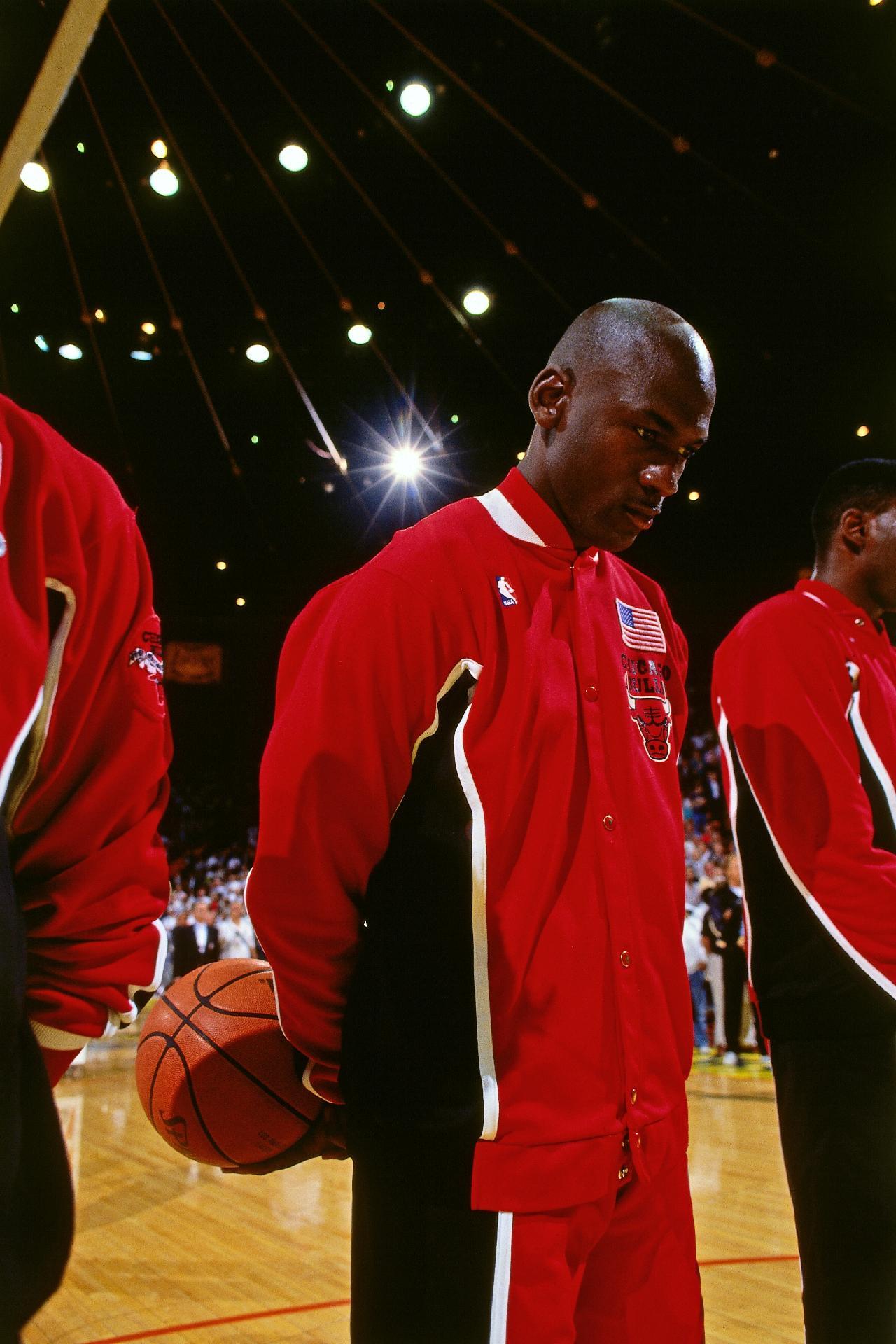 desconcertado hierba Aviación  Michael Jordan: Qual a altura, idade e tudo sobre ele