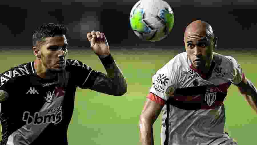 Dudu (d) é emprestado pelo Inter e não poderá atuar no confronto da Copa do Brasil - Jorge Rodrigues/AGIF