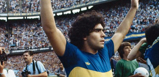 Adriano, Cafu e Mbappé: Jogadores lamentam morte de Maradona