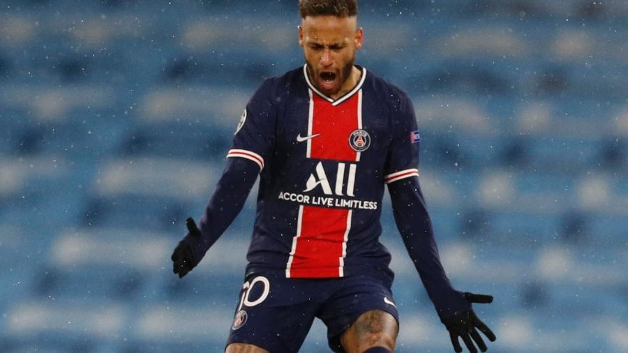 Neymar renovou o seu contrato com o PSG; vínculo vai até 2025 - PHIL NOBLE/REUTERS