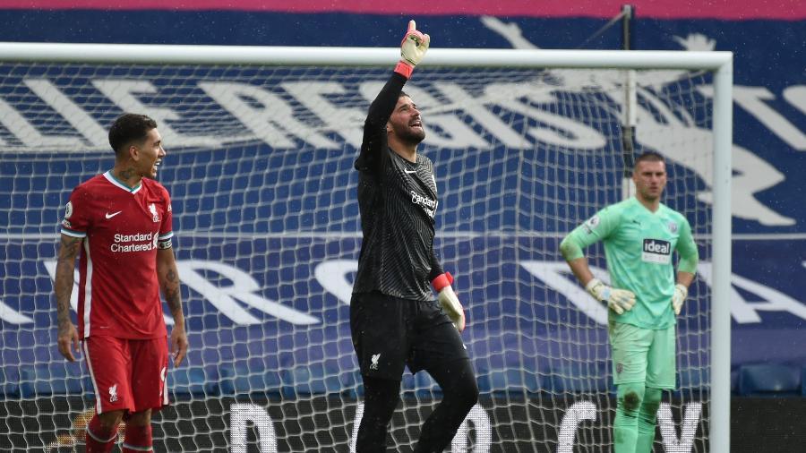 Alisson fez o gol da vitória do Liverpool contra o West Brom, pelo Campeonato Inglês - REUTERS/Rui Vieira