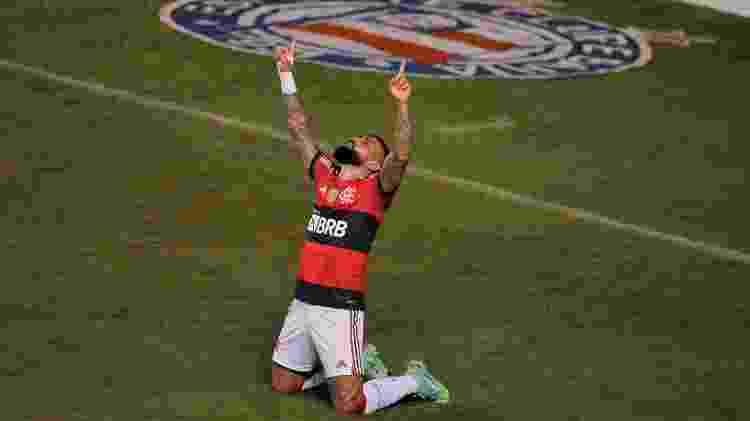 Gabigol, do Flamengo, comemora gol contra o Bahia, em duelo pelo Brasileiro, em Salvador -  Jhony Pinho/AGIF -  Jhony Pinho/AGIF