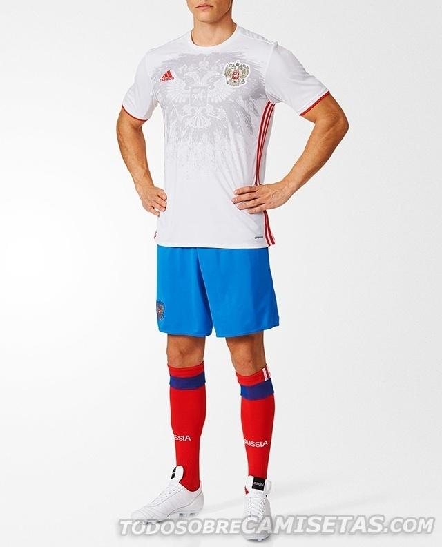 GRUPO B: Rússia (camisa reserva, adidas)