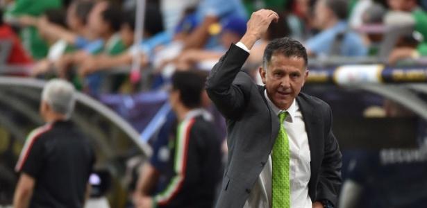 Juan Carlos Osorio relembrou a passagem pelo São Paulo e confessou ter mágoa de Aidar