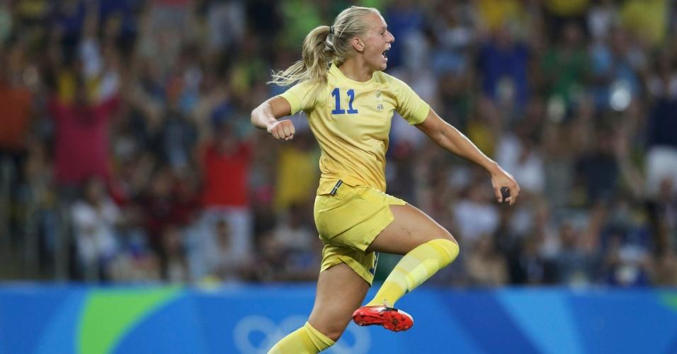 Stina Blackstenius comemora o gol da Suécia na partida contra alemãs no Maracanã