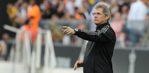 Técnico estreou no Corinthians em 1998