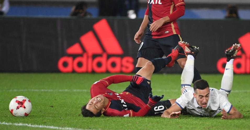 Yamamoto derruba Lucas Vázquez no lance que resultou no pênalti a favor do Real Madrid