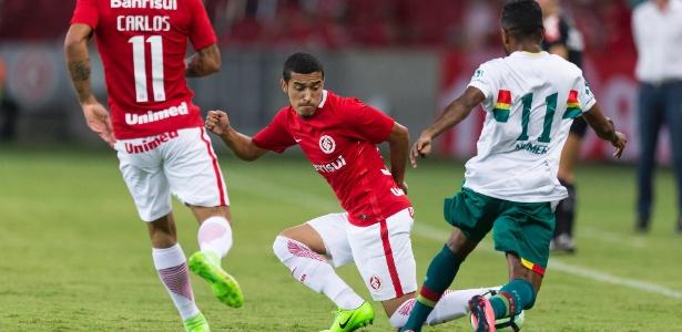 William desfalca o Internacional contra o Paysandu, no sábado, pela Série B