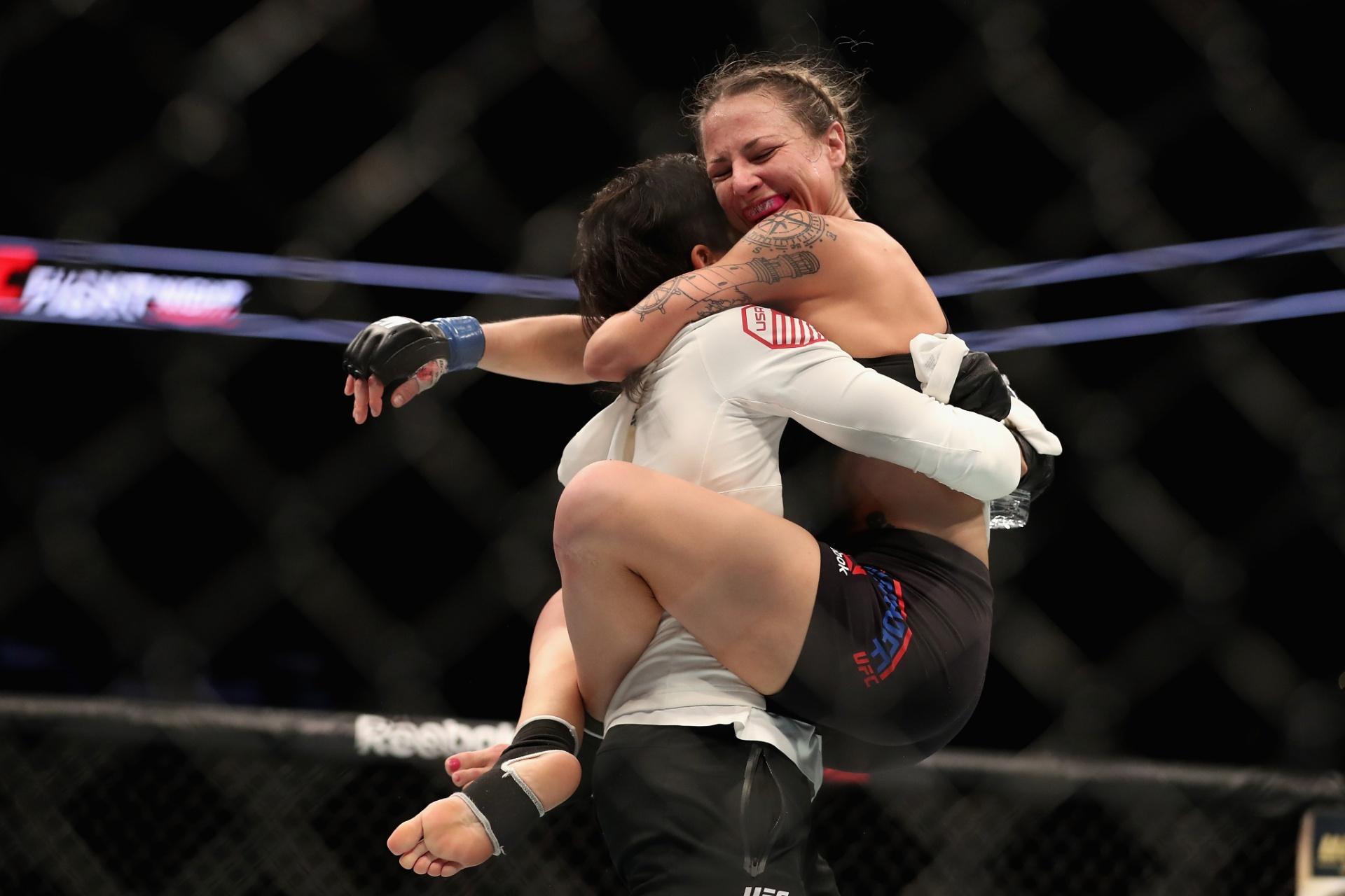 Especial - Amanda Nunes comemora vitória da namorada Nina Ansaroff sobre Jocelyn Jones-Lybarger