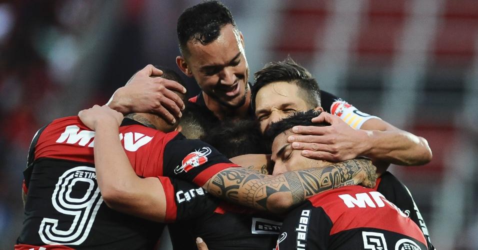 Flamengo não teve trabalho para superar o São Paulo na Ilha do Urubu