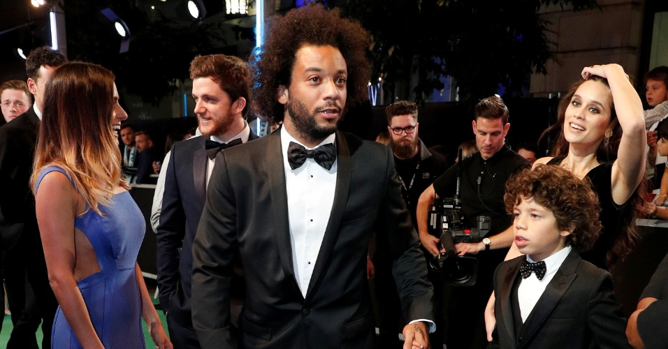 Brasileiro Marcelo, do Real Madrid, chega ao prêmio da Fifa com sua família