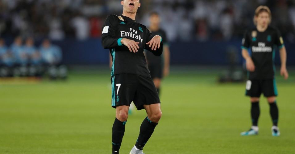 Cristiano Ronaldo comemora o gol de empate do Real Madrid com careta