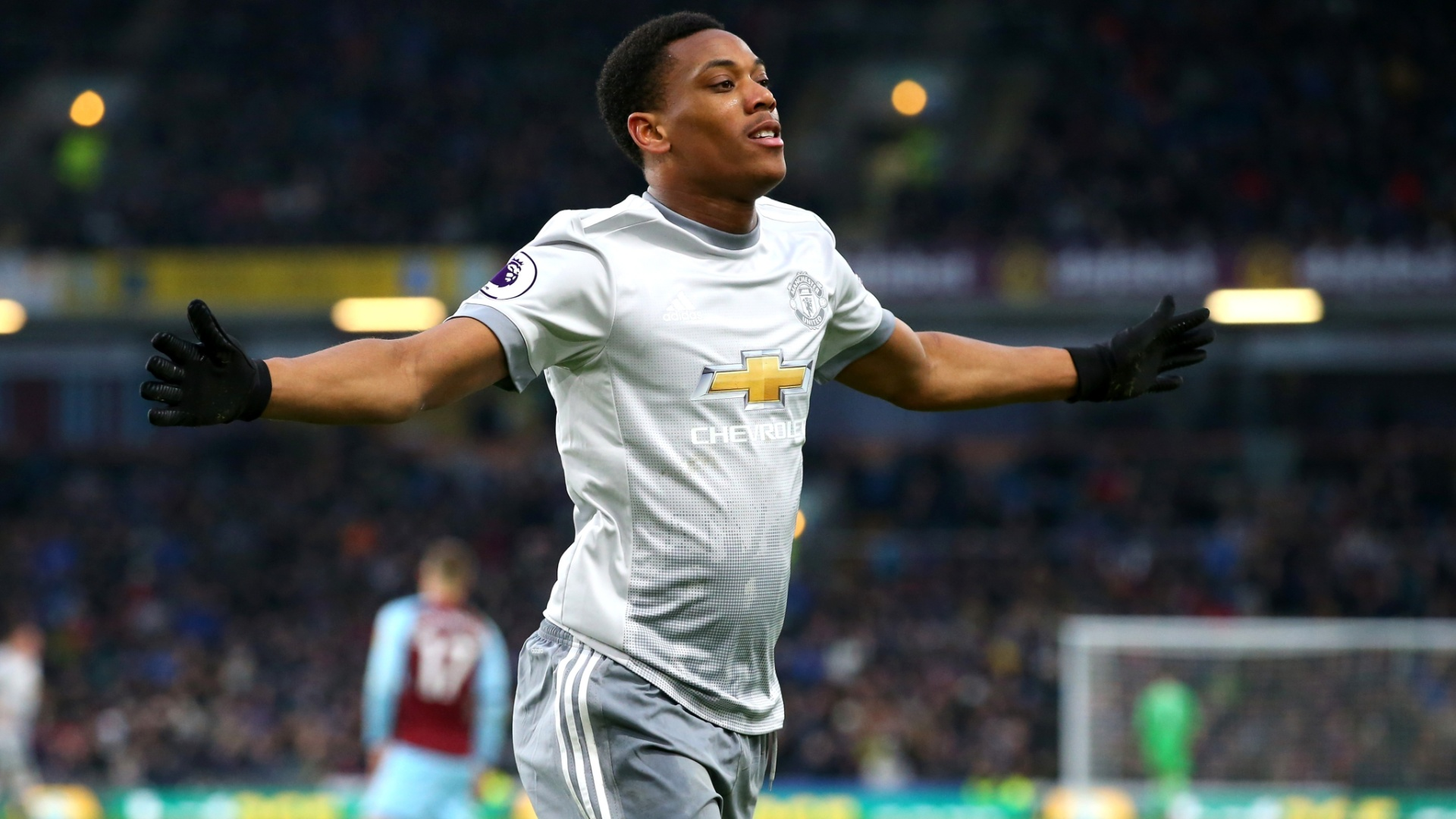 Martial comemora o gol da vitótia do United sobre o Burnley