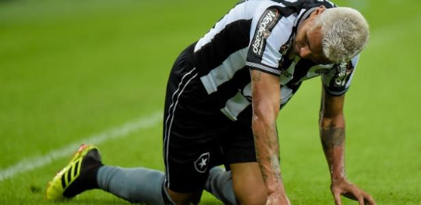 Kieza foi o último atacante do Botafogo a marcar no Campeonato Brasileiro - Thiago Ribeiro/AGIF