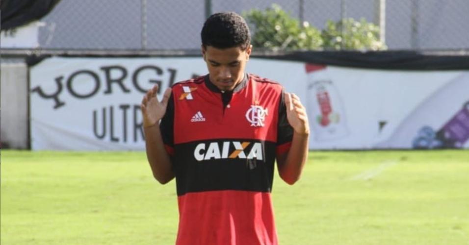 O zagueiro Arthur Vinicius é uma dás vítimas da tragédia no CT do Flamengo