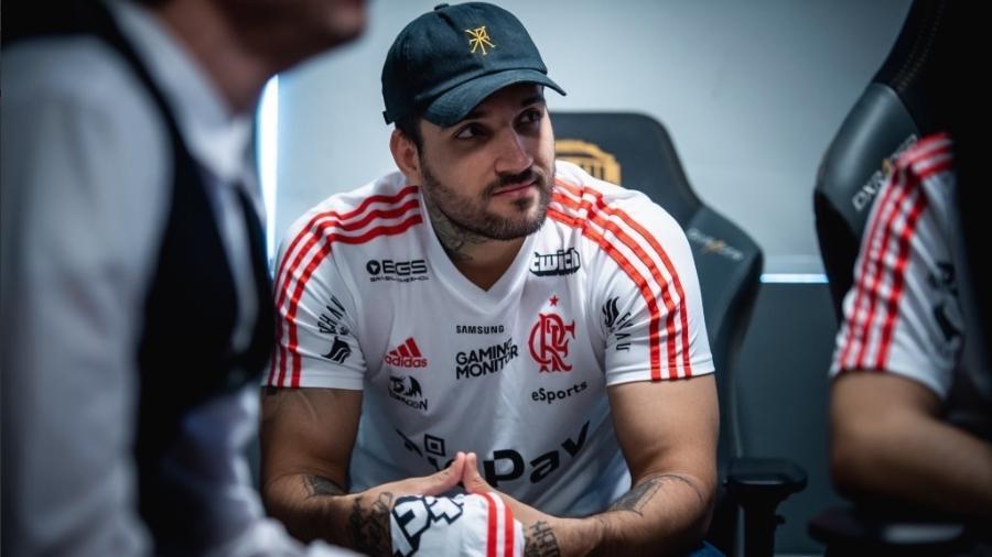 """Felipe Gonçalves, o """"brTT"""", um dos jogadores de League of Legends do Flamengo - Reprodução Twitter"""