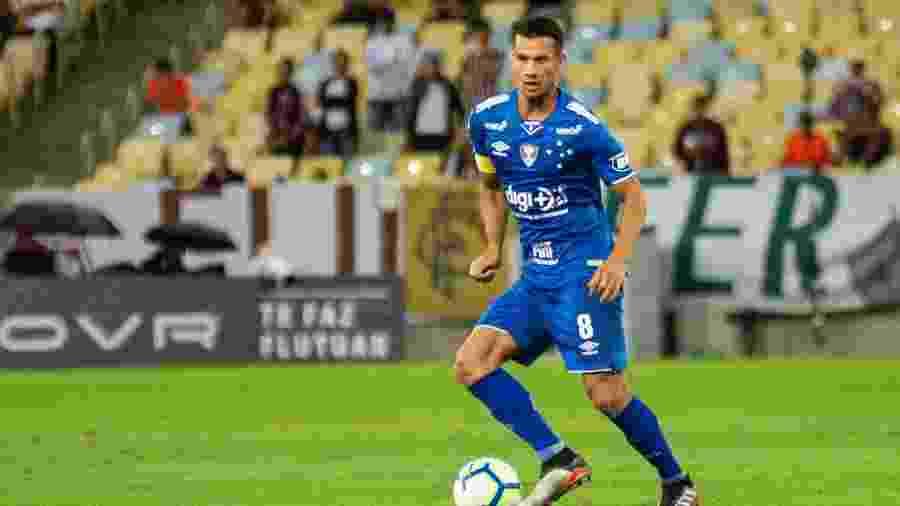Henrique, volante do Cruzeiro, deve ter alta no hospital até amanhã - Bruno Haddad / Cruzeiro