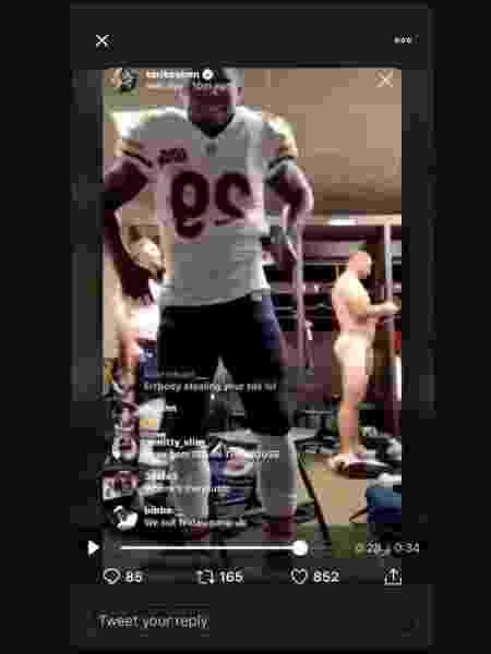 Tarik Cohen mostra companheiro nu em vestiário da NFL  - Reprodução/New York Post