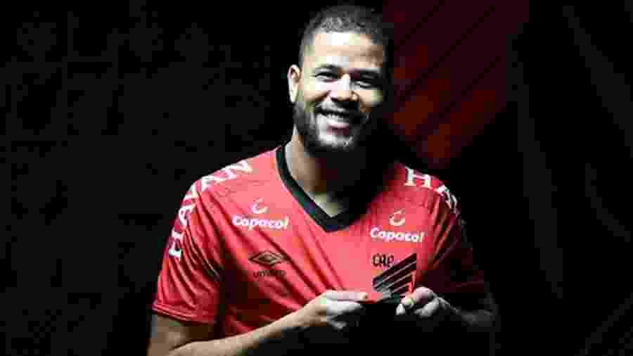 O Athletico Paranaense anunciou a contratação do atacante Geuvânio  - Mauricio Mano/Athletico Paranaense