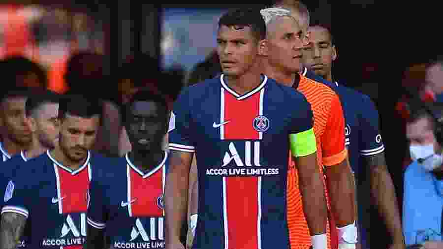 Thiago Silva puxa fila de jogadores do PSG antes de amistoso contra o Celtic - Aurelien Meunier - PSG/PSG via Getty Images