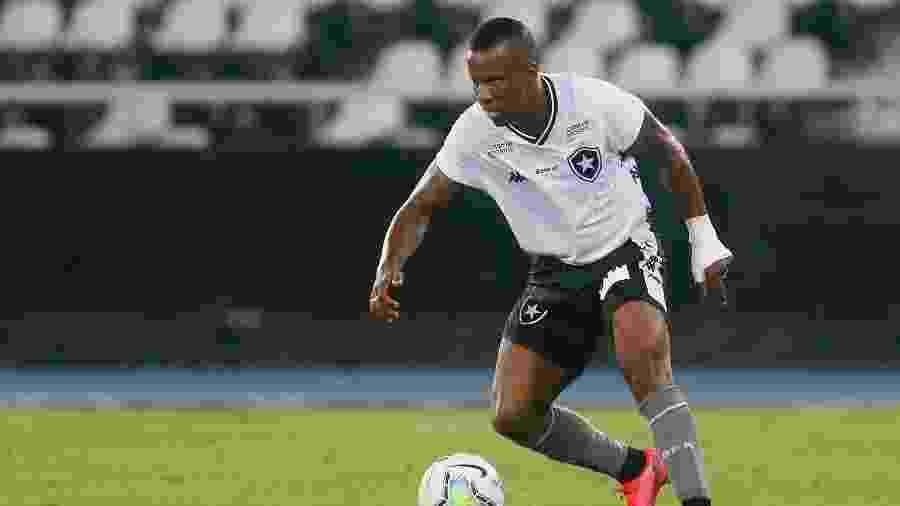 Guilherme Santos, lateral-esquerdo do Botafogo - Vitor Silva/BFR