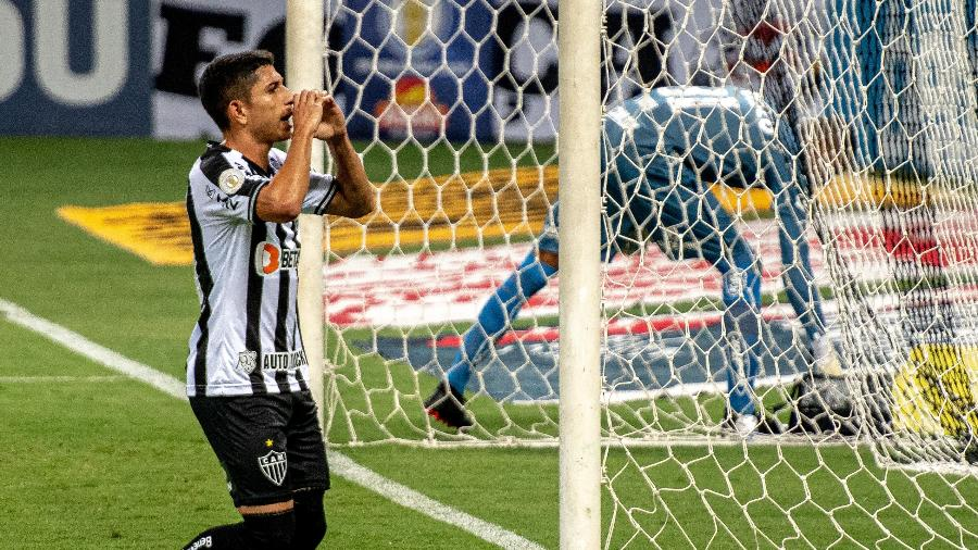 Savarino volta ao time titular do Galo após ter sido poupado no Campeonato Mineiro - Alessandra Torres/AGIF