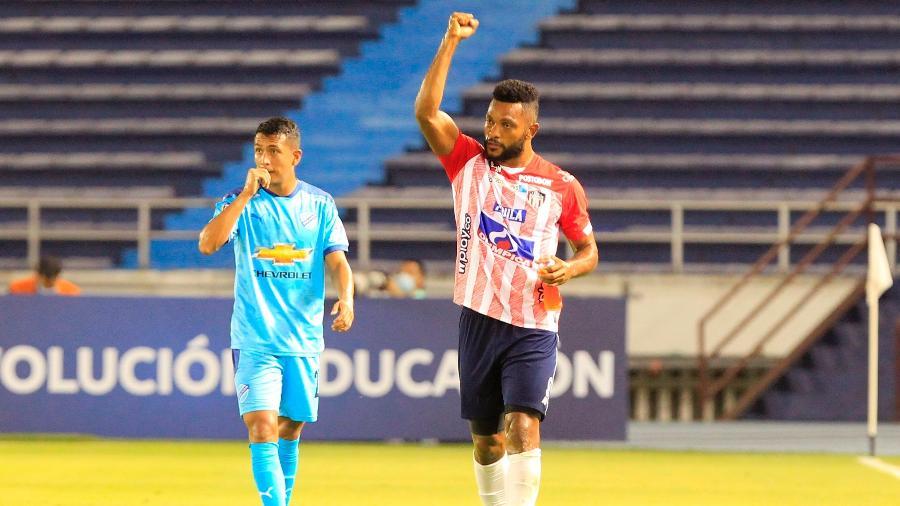 Borja comemora gol do Junior Barranquila, da Colômbia, contra o Bolívar - RICARDO MALDONADO/EFE