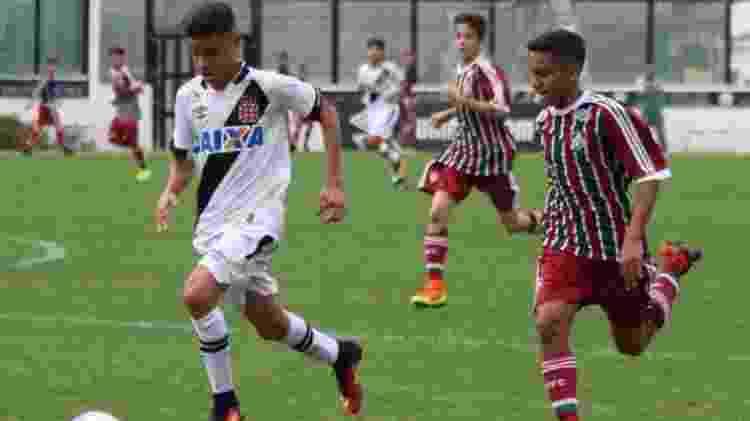 Miguel, pelo Vasco, enfrentando o Fluminense, no sub-13, em 2015 - Paulo Fernandes / Vasco.com.br - Paulo Fernandes / Vasco.com.br