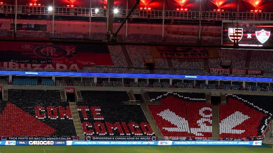 Mosaico da torcida do Flamengo durante partida contra Fluminense no estádio Maracanã pelo campeonato Carioca 2021 - Thiago Ribeiro/AGIF