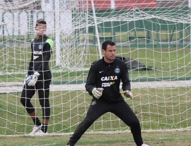 Wilson, destaque do Coxa no Brasileiro, agora será cobrador de pênaltis