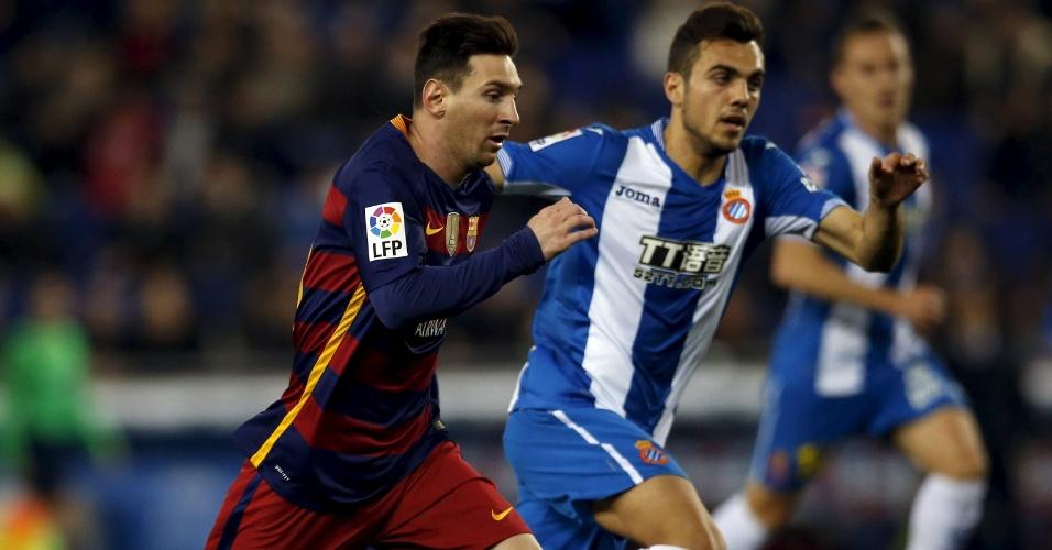 Lionel Messi, que também chegou de viagem junto com Dani Alves, não quis saber de folga e também participou da partida contra o Espanyol.