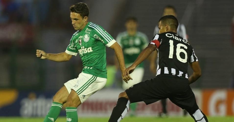 Allione entrou no segundo tempo e marcou o primeiro gol do Palmeiras diante do Libertad