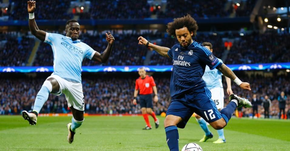 Marcelo tenta jogada pela lateral para o Real Madrid contra o Manchester City pela Liga dos Campeões