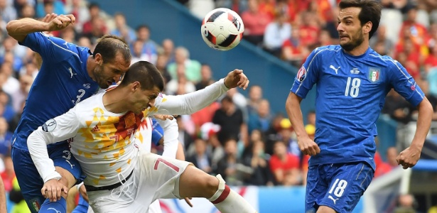 Campeã em 2012, Espanha deu adeus ao perder para a Itália por 2 a 0