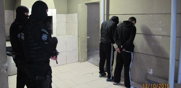 Policiais do Cope prendem torcedores do Coritiba suspeitos de homicídio