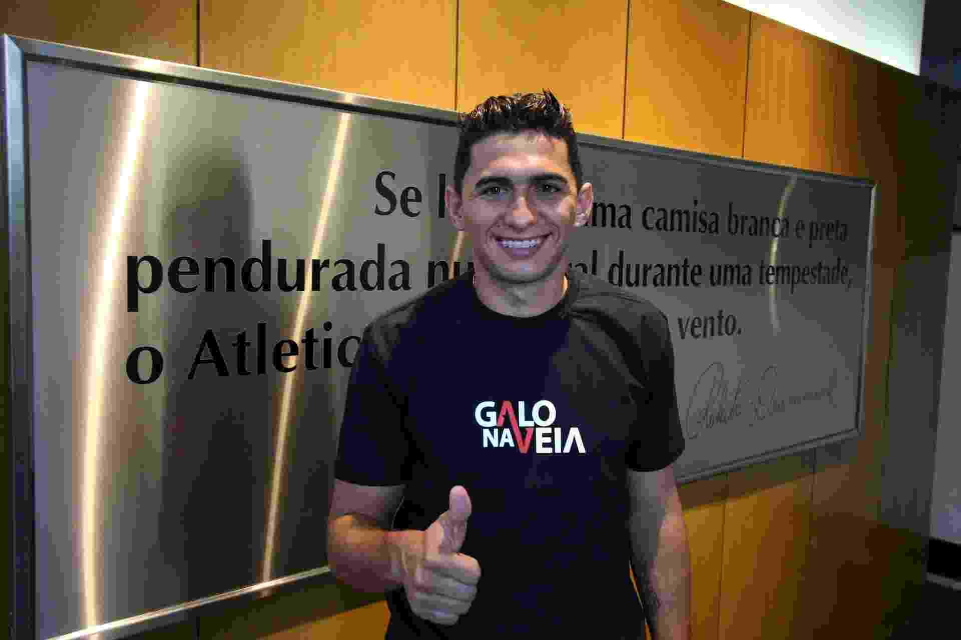 O lateral esquerdo Danilo se apresenta ao novo clube; ele estava no América-MG - Divulgação/Flickr Atlético-MG