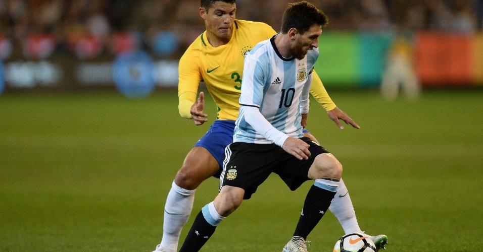 Thiago Silva marca Messi durante amistoso Brasil x Argentina
