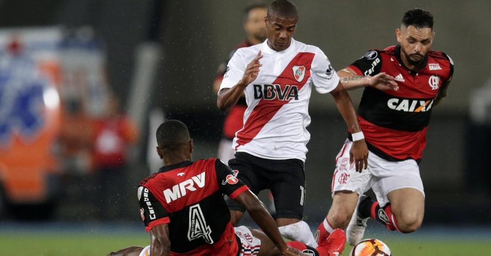 Juan e Pará marcam De La Cruz na partida entre River Plate e Flamengo