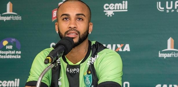 Convencido pelo amigo Luan, Wesley escolheu o América para resgatar futebol perdido