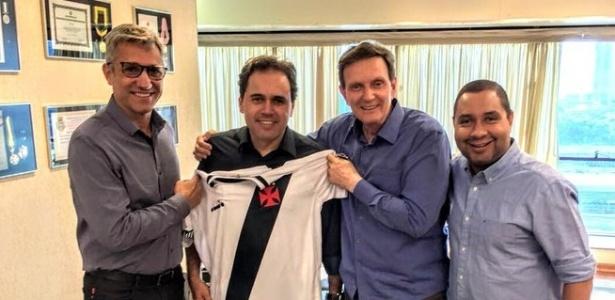 Campello, vereador Isquierdo, prefeito Crivella e membro de movimento em prol de SJ