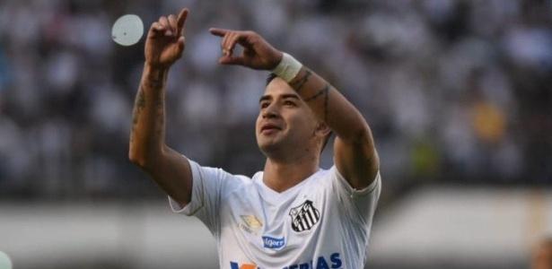 Derlis González vira destaque em vitórias do Santos e cria dúvida em Cuca -  26 08 2018 - UOL Esporte a5354062b0acb